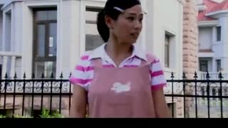 《单亲妈妈》灰姑娘做饭唱歌,不料手里的胡萝卜差点打着恶婆婆,气氛好尴尬!