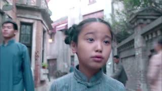 《新猛龙过江》小女孩落入人贩子手中 逃脱未果 老师知道事情真相崩溃大哭