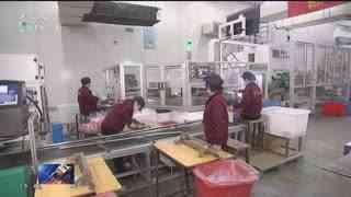杭州新闻联播_20200216_包车包专列返工 杭州温情迎返岗人员