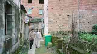 《我们在梦开始的地方》第8集精彩看点:设计师拄拐考察农村 真心爱上了这里