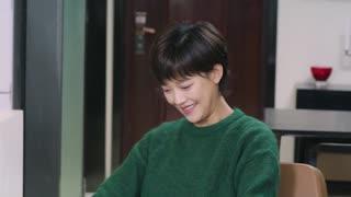 《我们在梦开始的地方》第28集精彩看点:窦豆去探望晓玮 终于恢复了笑容