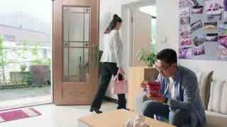 《我们在梦开始的地方》第30集精彩看点:江南四处找工作无果 只能借钱离家