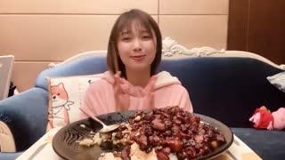 大胃王朵一_20200222_宅在家吃一份,自制朵式红烧肉,太幸福了!
