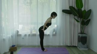 维密瘦身瑜伽,12天练出完美好身材 第8集