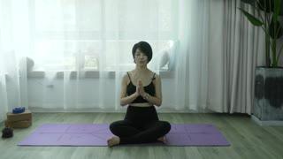 维密瘦身瑜伽,12天练出完美好身材 第5集
