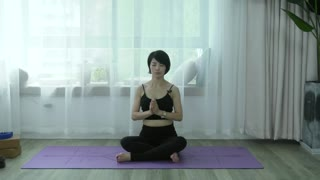 维密瘦身瑜伽,12天练出完美好身材 第4集