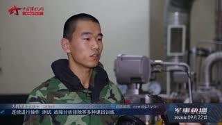 【军事快播】穿着防护服熟练操作精密仪器 这样的密闭生存训练真硬核
