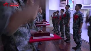 【军事快播】难舍难分!驻香港部队组织士兵退役仪式