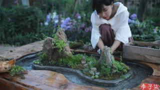 李子柒古香古食_20210605_小时候睡的旧木床,蜕变成古色古香的流觞曲水桌