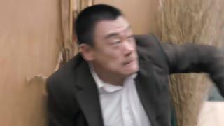 《一路上有你》李健为救国依铭,身负重伤