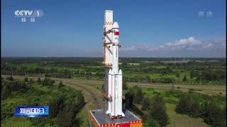 海南文昌:天舟二号船箭组合体转运至发射区