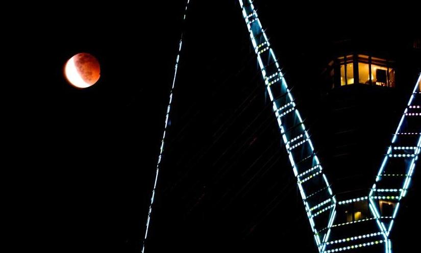 2015月全食:全球多地出现红月亮视频