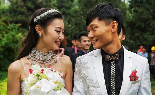 巩汉林儿子大婚 姜昆潘长江前来道贺图片