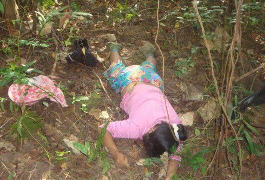 大学生钻草丛野战图片