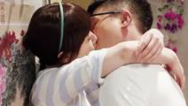 《女不强大天不容》郑雨晴被壁咚亲吻
