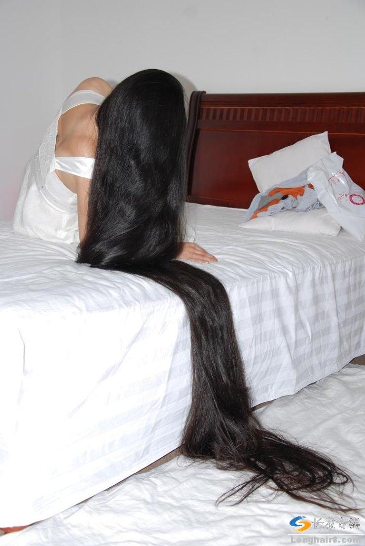 印男子发长近19米 或打破吉尼斯世界纪录图片