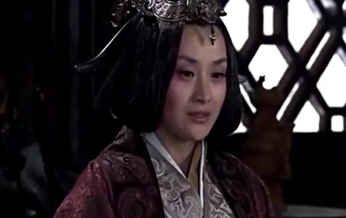 《大秦帝国之崛起》这两女人的宫斗大戏,真是狠啊,太疯狂了大秦帝国