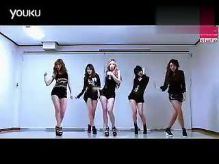 韩国美女热舞 超短裤性感诱惑