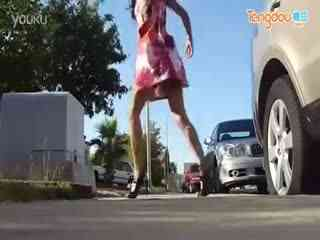 高跟鞋美女鬼步舞视频
