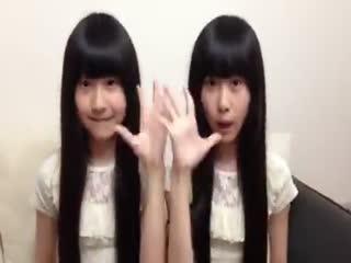 可爱双胞胎清纯美女 可爱颂