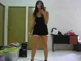 国中丰满美少女自拍热舞