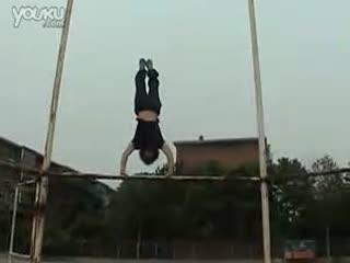 少见的中国女孩跑酷视频