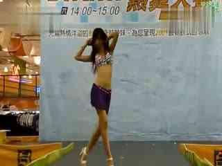 热舞自拍 发布:2013