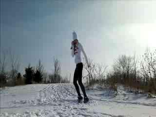 国外美女秀鬼步舞视频