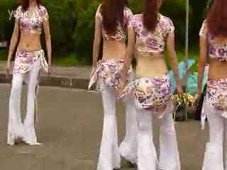 性感美女肚皮舞表演 印度亲嘴歌