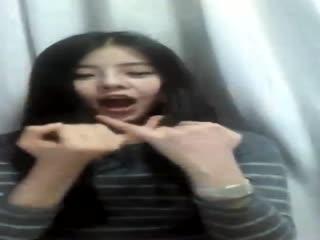 颂 是韩国歌手hari荷莉图片