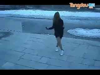 中国小美女跳鬼步舞自high视频