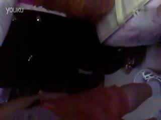 美女裤袜上的不明液体