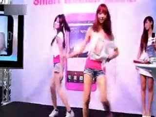 中国还有这样的美女鬼步舞高手!