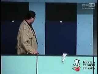 【2013美女搞笑视频全集之恶搞路人】
