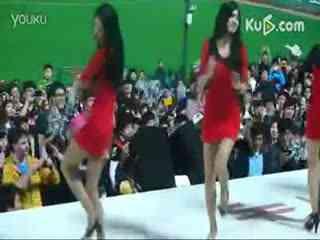 韩国美女街舞大赛 !惊爆全场!
