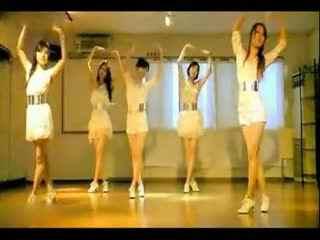 日本美女舞蹈室热舞自拍