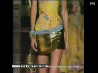 法国时装秀 紧身美女透明时装秀