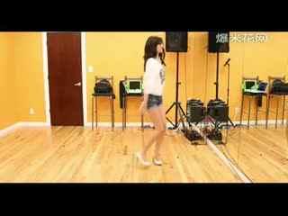 美女性感高跟鞋舞蹈室劲舞
