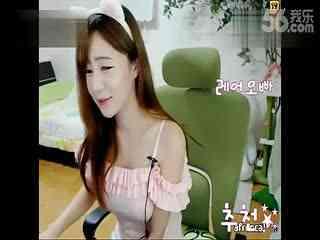 最新韩国女主播 美女热舞