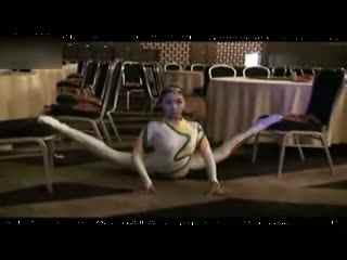 杂技柔术训练 美女软功柔术视频欣赏图片