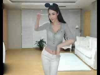 韩国女主播透明吊带美女热舞诱惑自拍