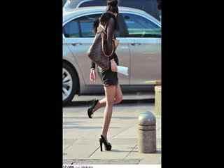街拍高跟鞋长腿美女热舞