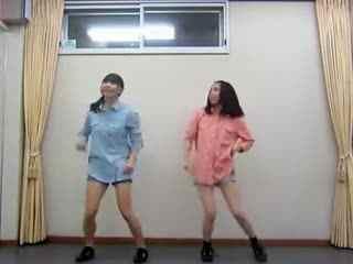 【美女热舞诱惑】绿色吊带90后少妇激情热舞