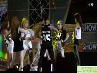 韩国美女团体现场热舞