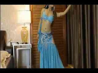 美女肚皮舞表演