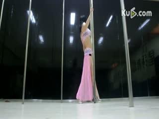 钢管舞教学视频美女教学``