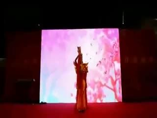 公司晚会年会创意节目表演《搞笑舞蹈串烧 痒》图片