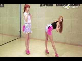韩国美女组合手把手教你性感热辣的舞蹈
