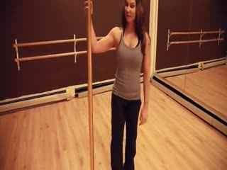 美女钢管舞表演 钢管舞教学视频大全