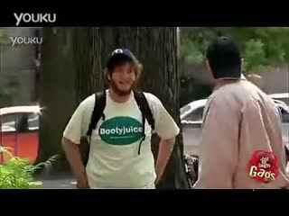 日本恶搞美女视频 万万没想到